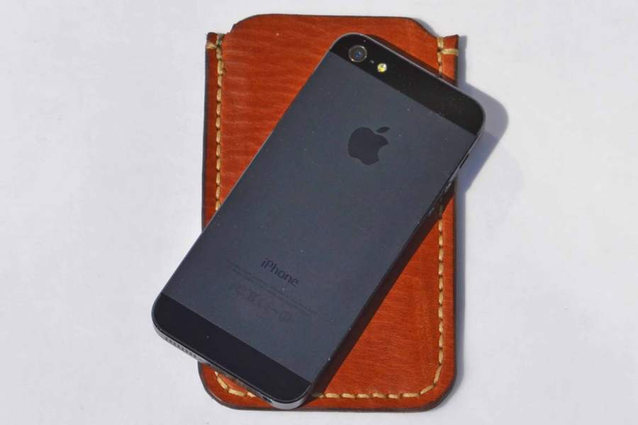 IPhone medium Brown+Phone